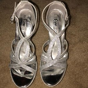 Silver sparkly homecoming heels Fioni night